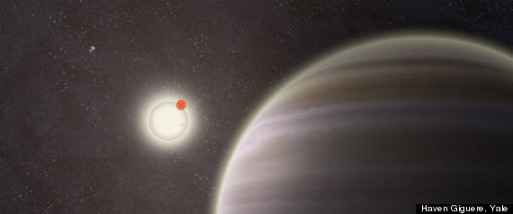An artist's rendition of PH1 and parent stars. (Photo: Haven Giguere, YaleUniversity)