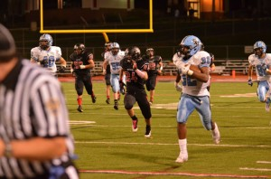 Forrest Barnes runs for a touchdown against Fox Chapel.  Barnes had a total of 238 yards and 4 touchdowns vs the Foxes.